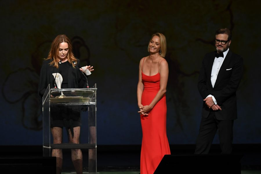 The Groundbreaker Award: Amber Valletta e Colin Firth hanno premiato Stella McCartney