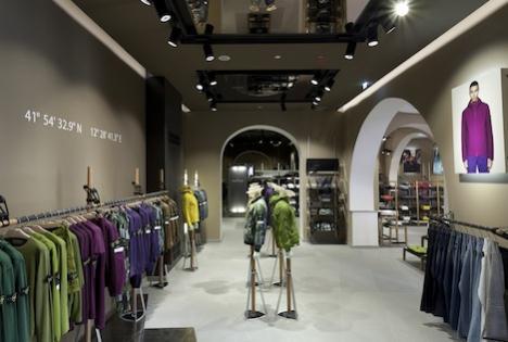 fd4fa3a207 Strategie: Stone Island apre a Roma il suo più grande store al mondo ...
