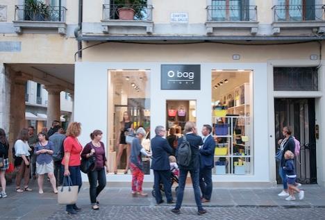 O bag prosegue l espansione retail in territorio italiano con tre opening   a Milano 67cd8205574