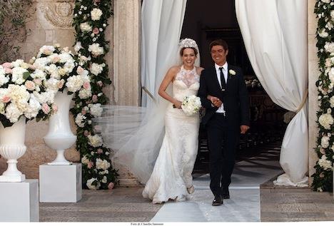 de85d02c646d Dalla collaborazione tra la società di Francesca Piccini e la casa  cinematografica Italian International è nato l abito da sposa che Laura  Chiatti indossa ...
