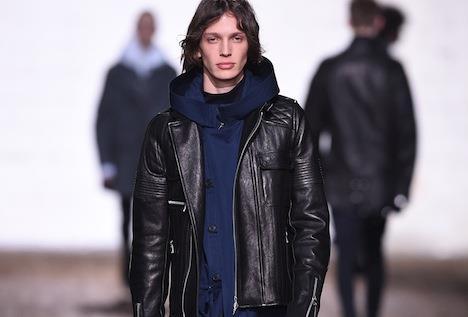 Giacca Da Camera Uomo Milano : Milano moda uomo: lurban biker di diesel black gold. rosso: «a