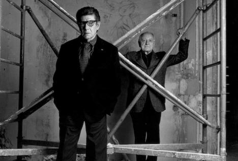 f6b7203e2c7 ... abiti e accessori appartenuti a Yves Saint Laurent troverà una  razionale collocazione nei due musei che aprono a Parigi e Marrakech il  prossimo ottobre.