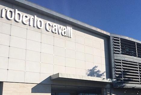 quality design d7385 ebee5 Ristrutturazioni: Roberto Cavalli chiude Osmannoro e cerca ...