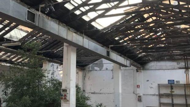 sports shoes ce2e9 dc9c3 Scouting location a Milano : Jil Sander sfila nella fabbrica ...