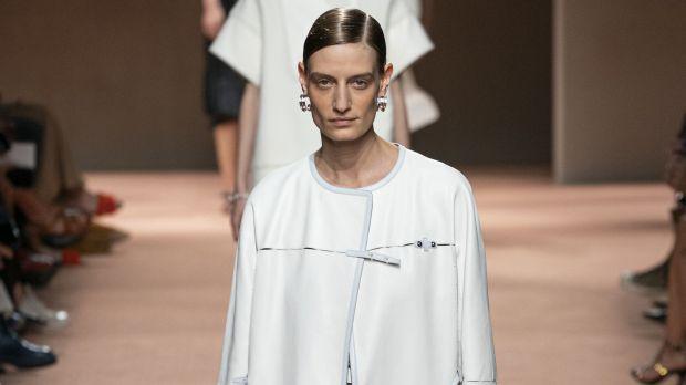 Abiti Da Sera Hermes.Paris Fashion Week Hermes La Semplicita Sofisticata Della Qualita