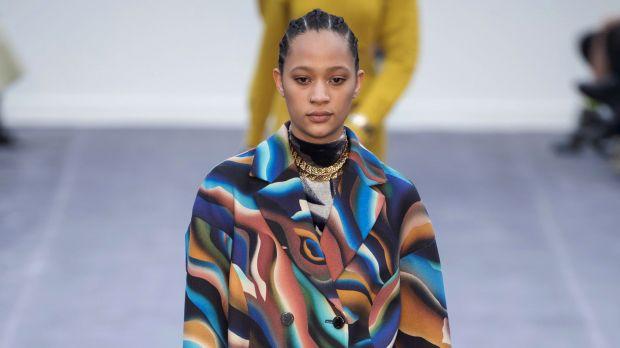 online retailer afbf5 6e83e milano moda donna: Roberto Cavalli: seduttrici in technicolor