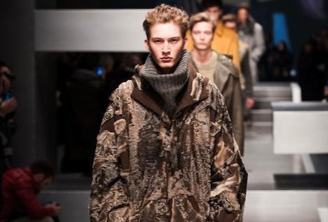 Giacca Da Camera Uomo Milano : Trend a milano moda uomo: le pellicce di fendi le giacche di armani